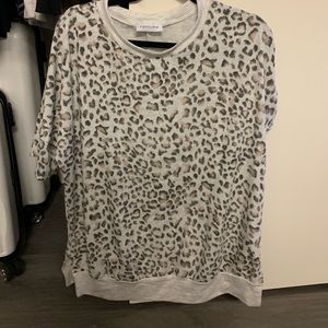 Short sleeve leopard/cheetah sweater (oversized)
